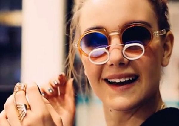 47d51054e3bc72 Gerard Lansik est le designer autrichien de Seeoo, il est très attaché aux  matériaux nobles avec lesquels il imagine ses lunettes aux multiples  coloris.